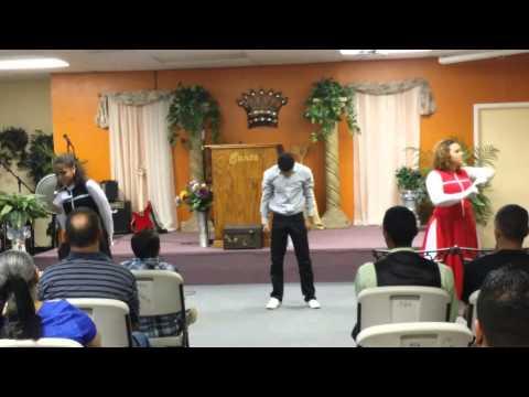 El Nombre de Jesus Redimi2 ft. Christine D'Clario Kadosh Arts Ministry