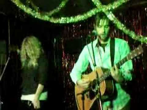 Lagan and Kesha Sebert sing Honkey Tonk Song