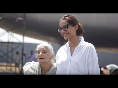 """My Daughter Was Prettier!"" – Neerja Bhanot's Mother Tells Sonam Kapoor"