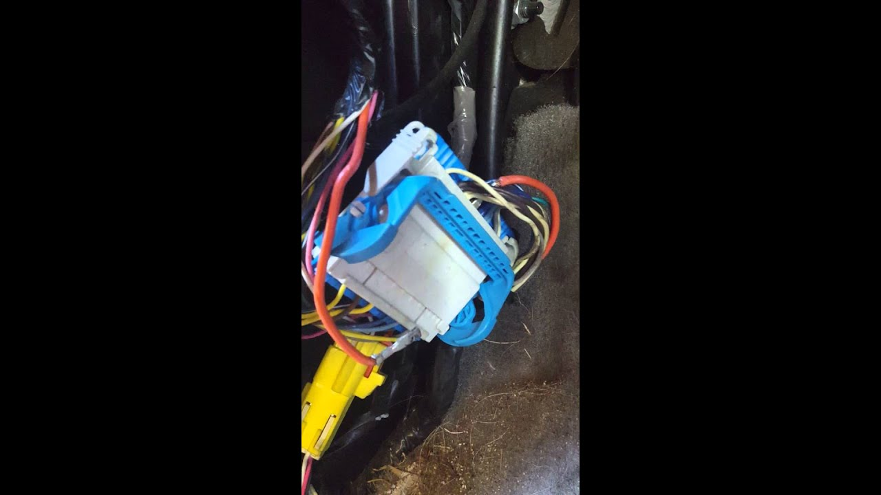 maxresdefault 2004 suburban tahoe rear heat ac not blowing youtube 73-87 Chevy Wiring Harness at reclaimingppi.co