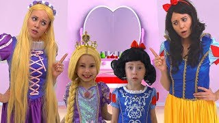 Download Alice plays with Mommy in her Princess Room Mp3 and Videos