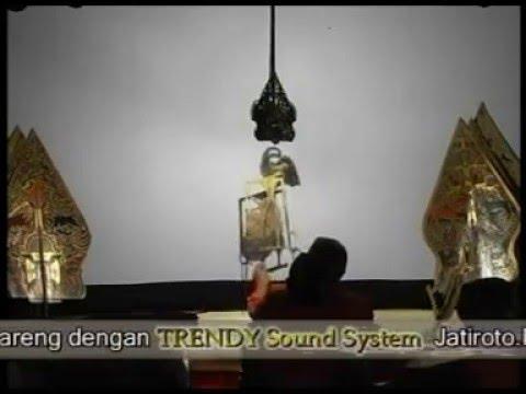 Petruk dadi ratu ,traditional puppet theater from Java, Indonesia 06