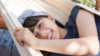 芳根京子、待望のファースト写真集『ネコソガレ』が、6月14日(水)発売...