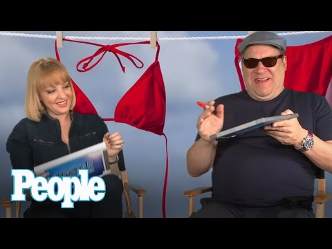 Can The Goldbergs Stars Make It Through One Question Without Cracking Each Other Up?  | People