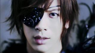 BREAKERZ デビュー4 周年記念シングル 「LAST † PRAY /絶対! I LOVE Y...