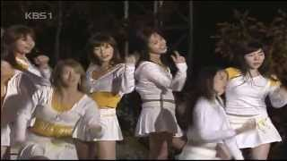 HD SNSD 071030 - Into The New World + Beginning live