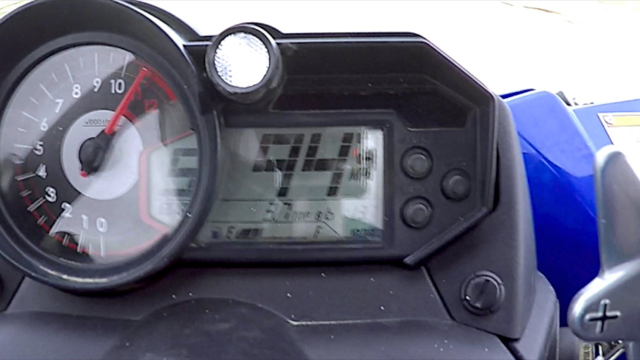 Yamaha YXZ1000R Speed Run at 95 MPH on dirt