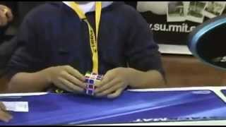 Мировой рекорд по сборке кубика рубика 5.66 сек.mp4