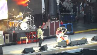 04 Under Pressure/Dave returns to the stage  - Foo Fighters - Ullevi - Gothenburg - 2015-06-12 HD