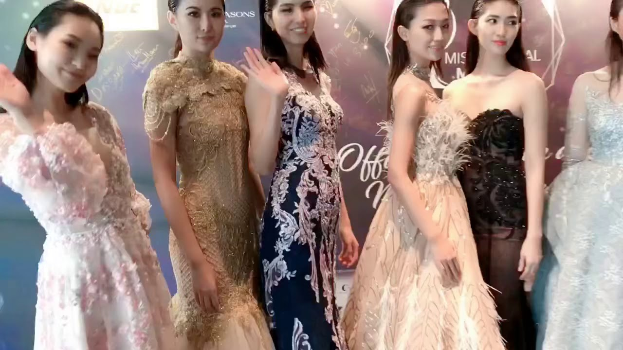 CHARIS CHING - Models wearing collection