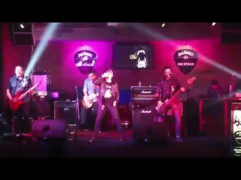 OMNI - Generasi Pemenang (Live at Vintage Bar, Manado) #RockOplosan #ngeBandtanpangeGank
