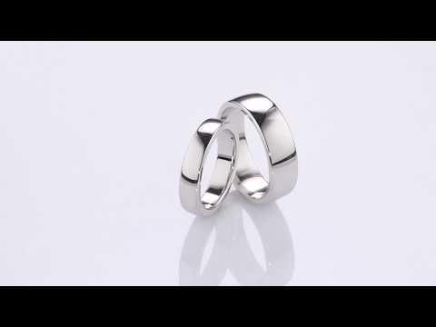 Золотые обручальные кольца с бриллиантами