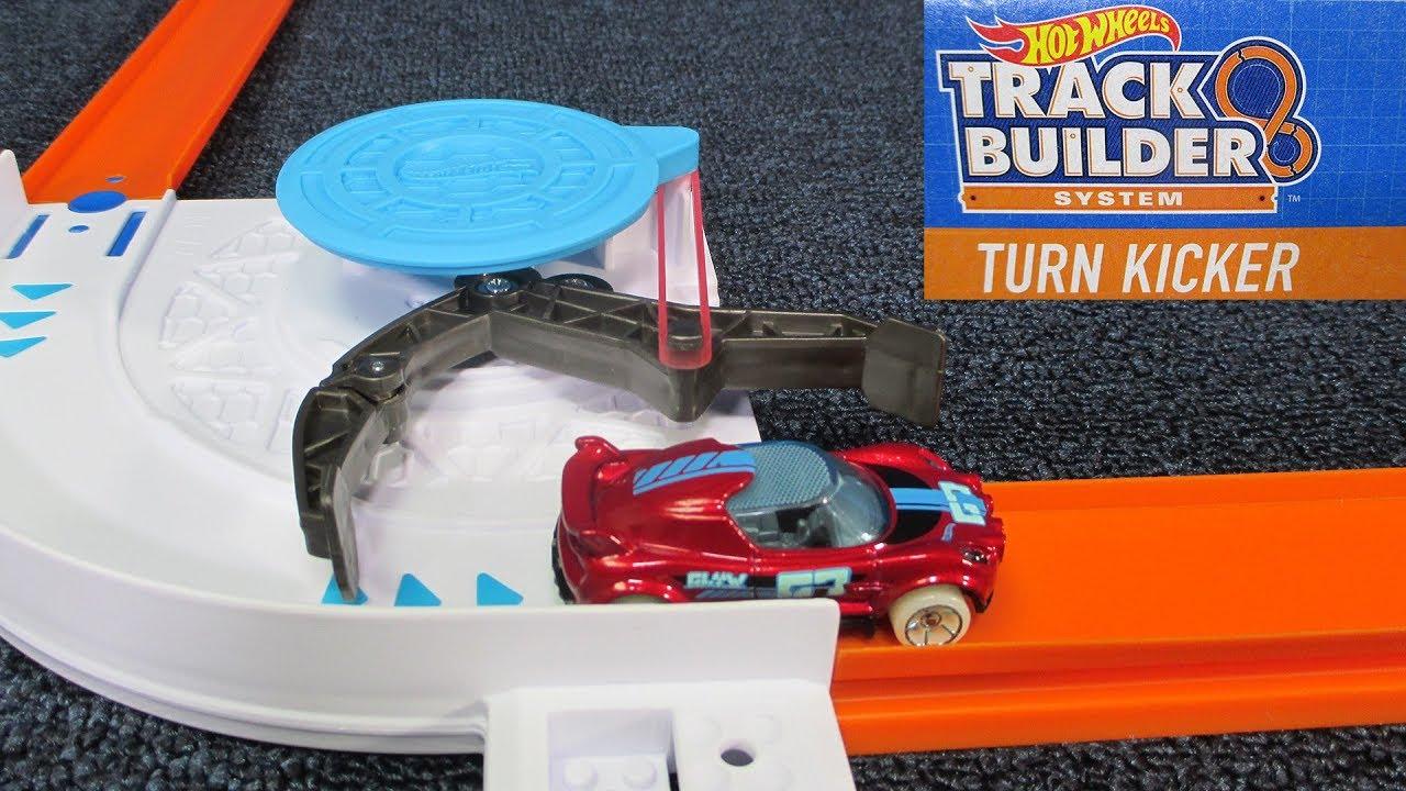 hot wheels track builder turn kicker no batteries. Black Bedroom Furniture Sets. Home Design Ideas