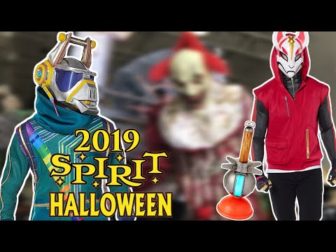 SPIRIT HALLOWEEN 2019 NEW FORTNITE Costumes + Animatronics, & MORE!! EVEN A SHARK ATTACK AQUARIUM!!
