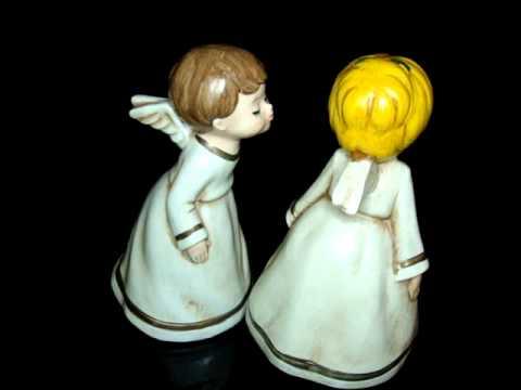 2 VINTAGE KISSING ANGEL FIGURINES ONE IS MUSIC BOX - JAPAN LAURA'S THEME
