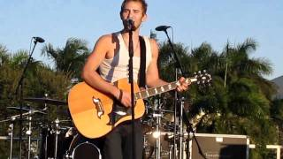 """Falling In"" by Lifehouse live at FIU in Miami, Florida on 11/6/10"