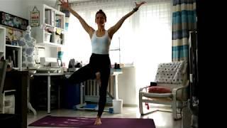 Joga w domu. Ćwicz dla zdrowia całego ciała, pozbądź się napięć i wycisz się (sesja 1)