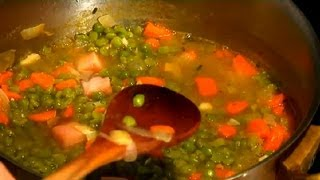 Old Fashioned Split Pea & Ham Soup Recipe : Soup Recipes