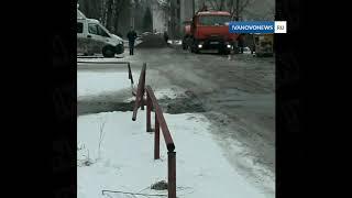 В Иванове мусоровоз провалился в яму