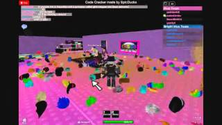 hangout gamplay on roblox (u can get gfs)