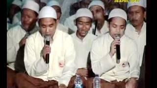 Download Mp3 Al Muqorrobin Kendal Bersholawat 2012_05.flv