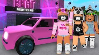 I BOUGHT A PINK LIMO AT BLOXBURG! Roblox