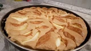 Шарлотка с яблоками и ягодами! Пошаговый рецепт в духовке получается у всех!
