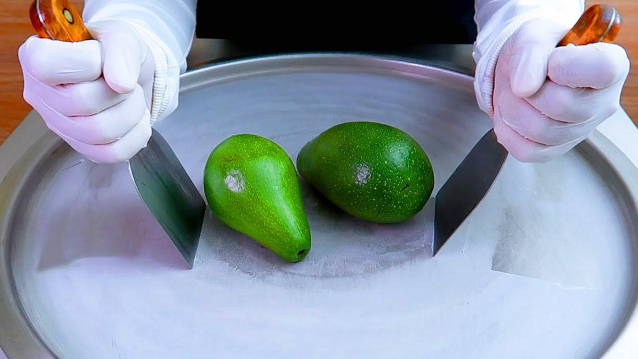 avocado ice cream rolls street food - ايسكريم رول على الصاج أفوكادو