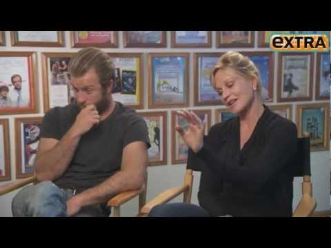 [2012] ExtraTV.com: Rapid-Fire Quiz With Melanie Griffith And Scott Caan