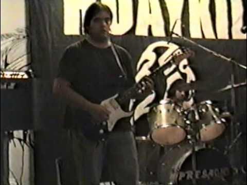 """Presagio, Huaykil y el """"Tano"""" Marciello en Bar La India (29/11/2003, San Juan, Argentina)"""