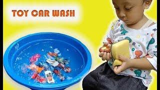 Rei Enjoys Washing Cars video for kids - Pretend Play Car Wash