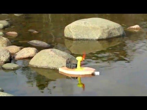 Лодка из пенопласта с пропеллером