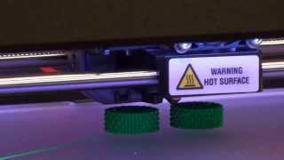 видео 3D принтер MakerBot Replicator 2