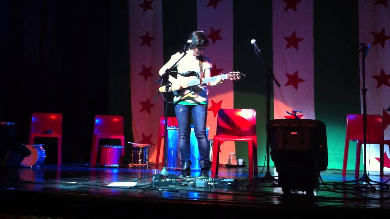 Erica Mou - La Vasca Da Bagno Del Tempo - Hit Week 2013 Live in Rio ...
