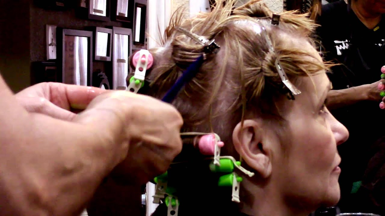 Textured body wave perm technique youtube textured body wave perm technique solutioingenieria Gallery