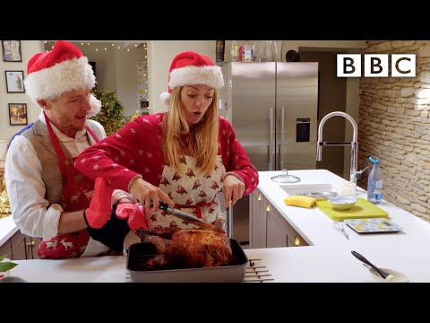 Food scientist cooks perfect Christmas turkey 💯- BBC