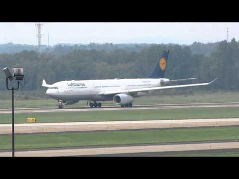 Lufthansa Und Deutsche Luftwaffe Flugzeuge An Washington Dulles Flughafen Ab