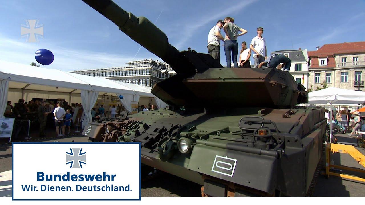 Offene tür berlin  Panzer, Piloten und Politik: Tag der offenen Tür im ...