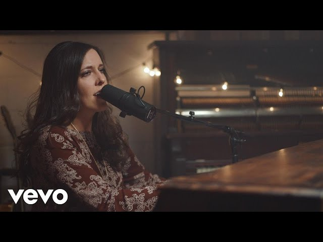 Shelly E. Johnson - O Holy Night (Official Music Video)