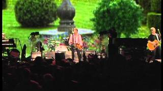 Paul McCartney - A Day In The Life/Give Peace A Chance (live 2008)