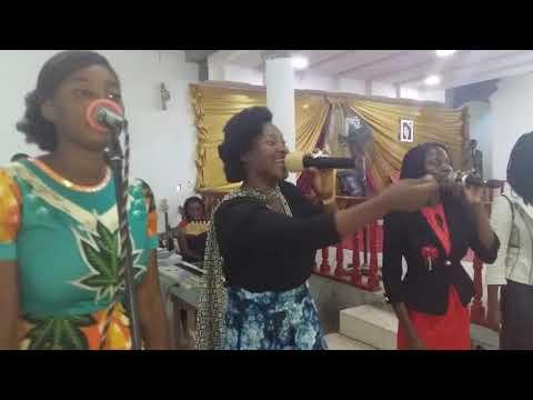 PRÉCIEUSE SOEUR THETHE MAKABI Visite Le Plein évangile De Libreville Au Gabon
