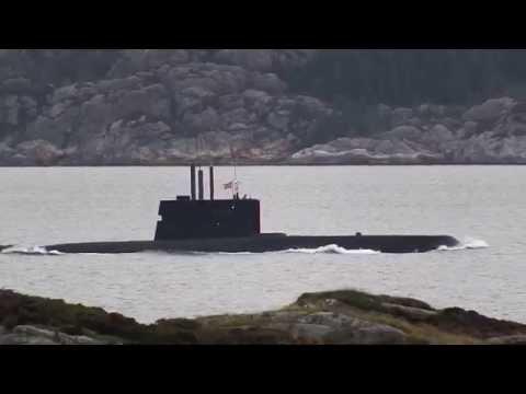 S303 UTVÆR på fin fart sørover Hjeltefjorden utenfor Rongesundet - mot Basen