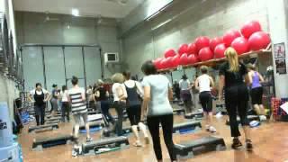 Monya fitness Giwa lezione intensa senza particolare coreo la prima parte è abbastanza dispendiosa