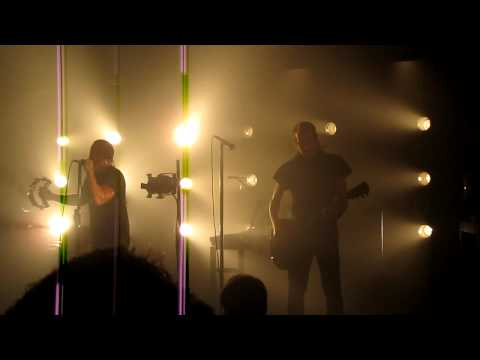 Nine Inch Nails - The Beginning of the End HD (live @ the Echoplex 9/6/09)