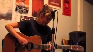 Jess Locke - Apple (Live in Enmore)