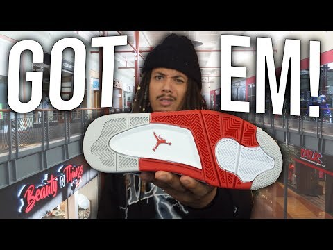 GOT EM ! THESE WERE THE HOTTEST SNEAKERS 15 YEARS AGO !! MALL VLOG SNEAKER PICKUP