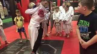Обучение передней подножке в младшей группе. GLADIATOR MMA ACADEMY Kovrov