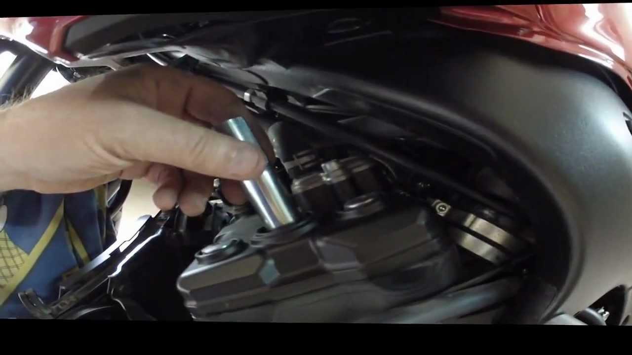 Ngk Iridium Spark Plugs >> Yamaha FZ1 Cambiando Bujías NGK Cr9ek por Cr9eix iridium ...