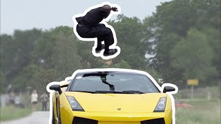 Guy jumps over speeding Lamborghini (130kmh) + Slow motion