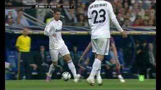 Repeat youtube video Cristiano Ronaldo paquete sin calzoncillos (no underwear)